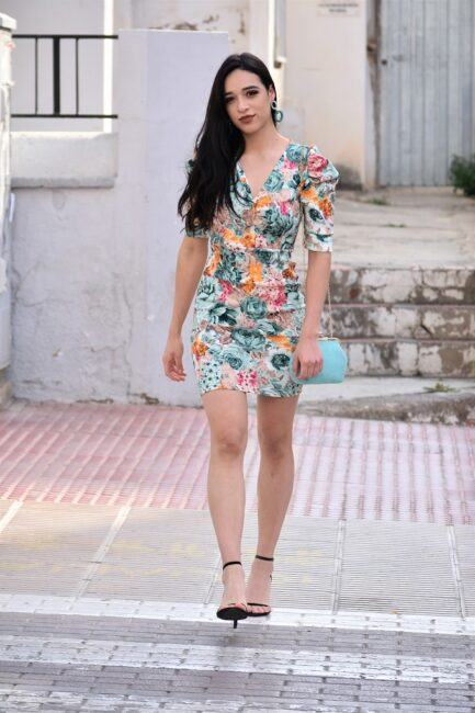vestido-corto-flores-fiesta-vestir-