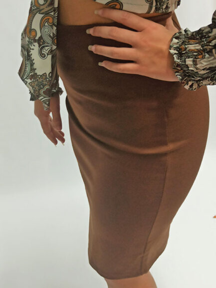 falda camel sport tubo lapiz ajustada acoplada al cuerpo