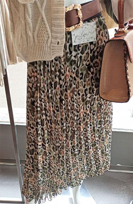 falda plisada midi print felino verde cintura goma negra va forrada