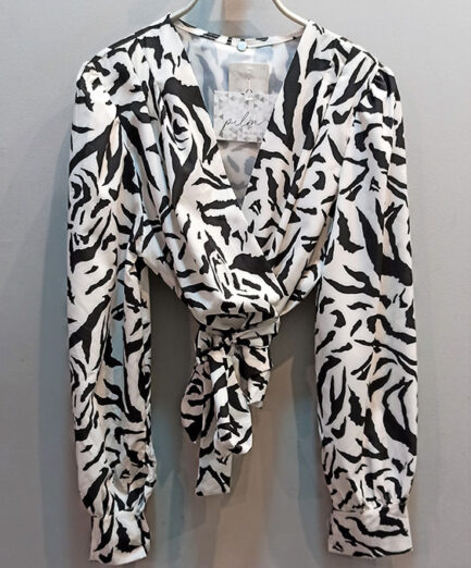 blusa cruzada estampado cebra corta mangas abullonadas
