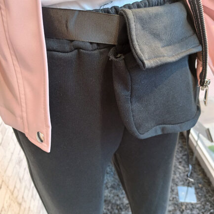 pantalon sport chic negro con rinonera comfy style