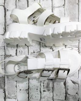 Sandalia plataforma con hebillas