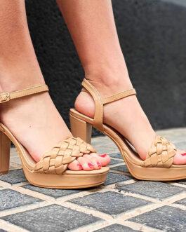 Sandalia plataforma tacón cuadrado camel