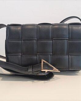Bolso acolchado trenzado negro