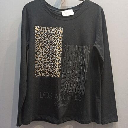camiseta negra manga larga mujer cuello caja con estampado animal felino y cebra
