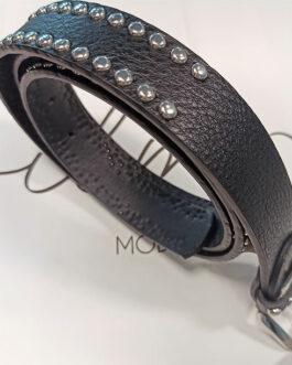 Cinturón negro tachuelas